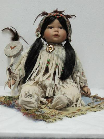 S20560 20 Quot Willow Tree Smaller Native American Dolls